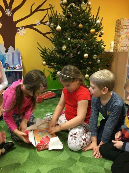 Nadělování dárečků v Sovičkách