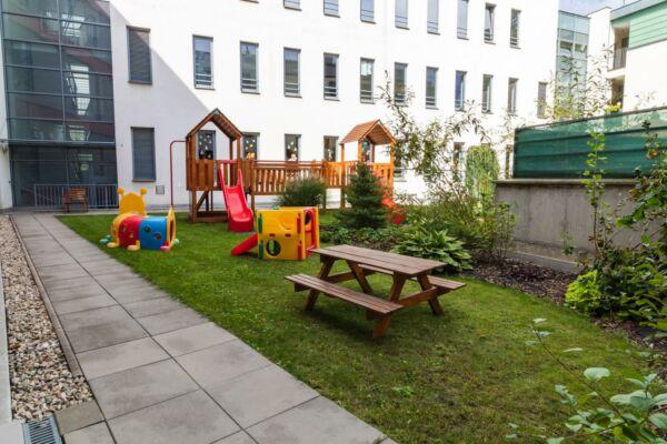Školka Borůvka Šumperk - zahrada, dětské hřiště