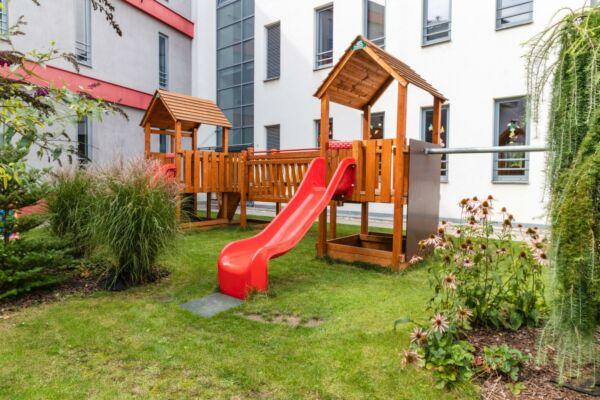 Zahrada a dětské hřiště